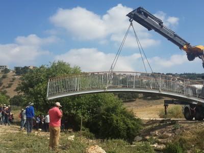 נחל ציפורי: גשר חדש להולכי רגל
