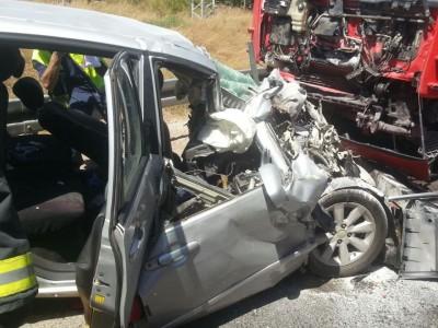 תאונת דרכים בין משאית לרכב פרטי בכניסה לגניגר, במקום פצוע אחד