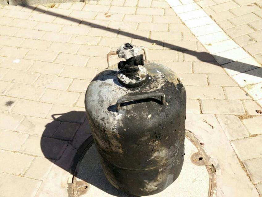 סב, בתו ונכדתו נפצעו מפיצוץ בלון גז