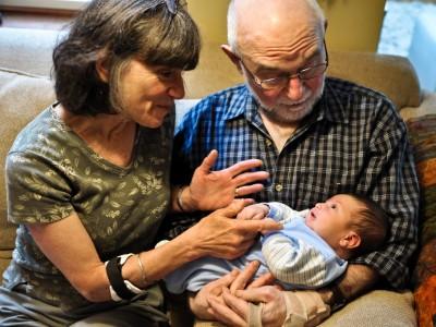 יש דבר כזה: חיוב סבא וסבתא בתשלום מזונות נכדיהם