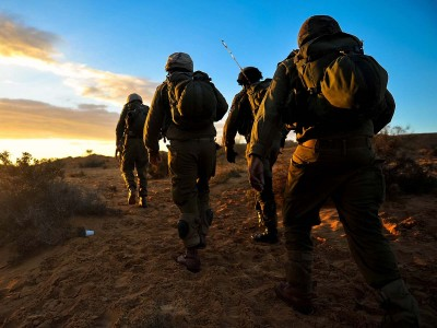 מה קורה שיהודי, נוצרי ובדואי נפגשים בצבא?