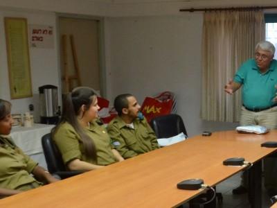 מרגש: חיילים בודדים ביקשו סיוע בכיבוס בגדיהם וזכו למכונה חדשה