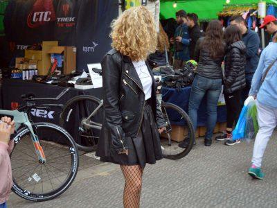 אופנה: בנות איזה ז'קט אופנוענים יש לכן בארון?