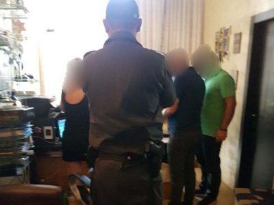 המשטרה סגרה שתי דירות ששימשו על פי החשד למתן שרותי זנות