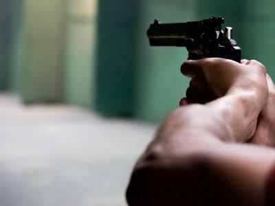 דו קרב בשדה: התחיל בתאונה והסתיים בירי באב ובנו