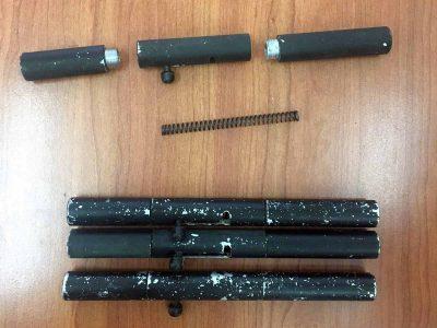 מגדל העמק: המשטרה חשפה ארבעה אקדחים מאולתרים בצורת עט