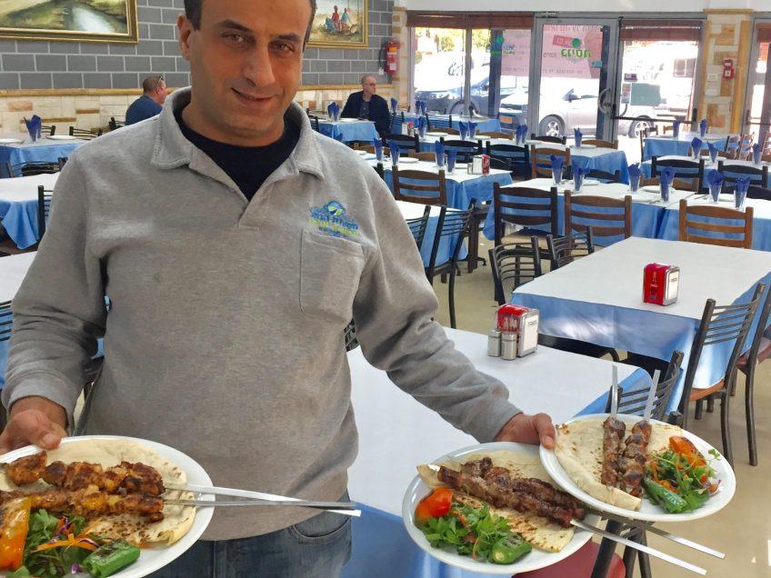 """""""פותחים שולחן"""" במסעדת הנחל במגידו"""