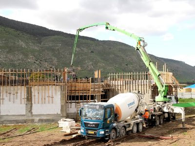 """שלב סופי בבניית מבנה הקבע בביה""""ס החדש סמוך לבית-אלפא"""