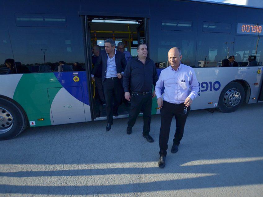 נסיעה ירוקה: חברת סופרבוס השיקה צי אוטובוסים מונעים גז טבעי בעפולה