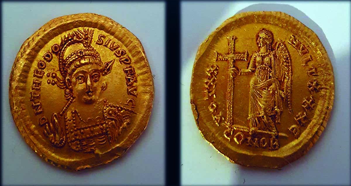 מטבע ביזנטי קדום תמונה:zogar צילום: ניר דיסטלפלד, רשות העתיקות