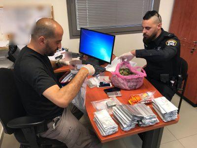 """בא לשכונה """"דייר"""" חדש: המסלול של סוחר הסמים בדרך לתא המעצר"""