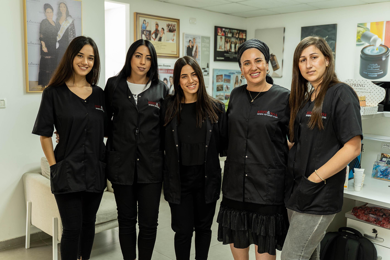 """הצוות הנשי של """"EIDIT & NOA"""""""